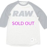 RAW BIG LOGO 5.2 OZ. RAGLAN T-SHIRT